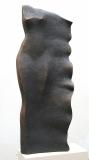 Petr Schel: Na pláži, 2016, kamenina, výška 68 cm, signováno Cena 47.000 Kč
