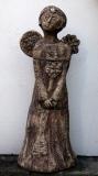 Ivana a Jan Bambasovi: Anděl s květinou, zahradní keramika - kamenina, výška 108 cm, cena 14.500.- Kč